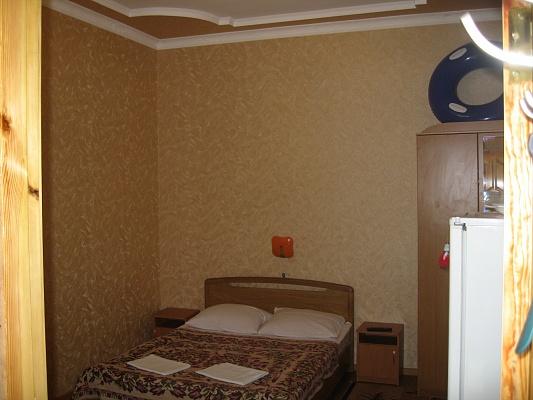 1-комнатная квартира посуточно в Ялте. ул. Гоголя. Фото 1