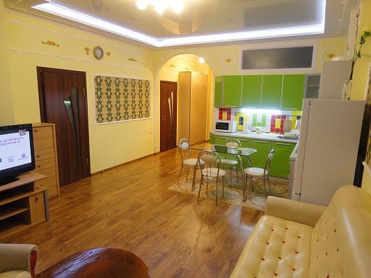 3-комнатная квартира посуточно в Одессе. Приморский район, ул. Малая Арнаутская, 105. Фото 1