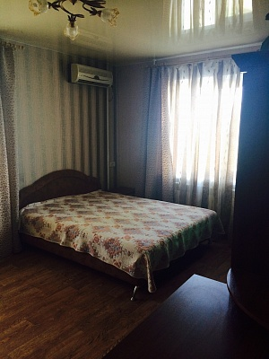 1-комнатная квартира посуточно в Бердянске. ул. Тищенко, 2. Фото 1