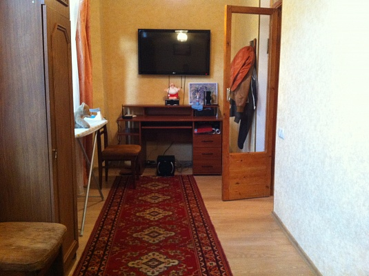 3-комнатная квартира посуточно в Ялте. ул. Ломоносова, 5. Фото 1