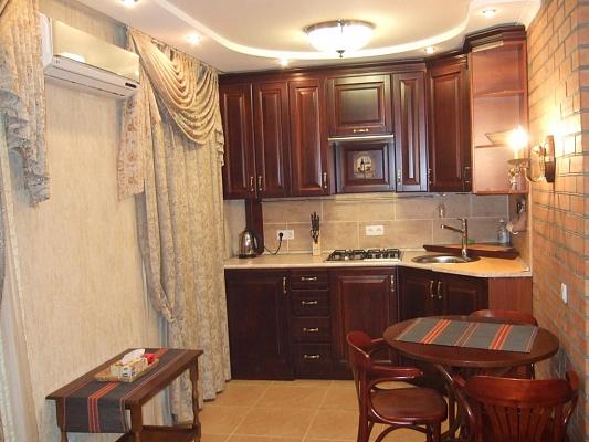 1-комнатная квартира посуточно в Запорожье. Орджоникидзевский район, б-р Гвардейский, 24. Фото 1