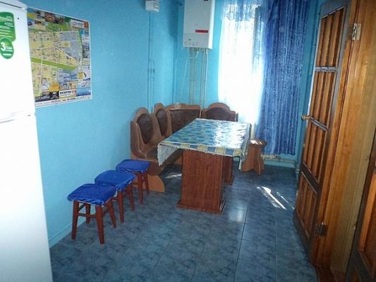 2-комнатная квартира посуточно в Новой Каховке. ул. Пионерская, 22. Фото 1
