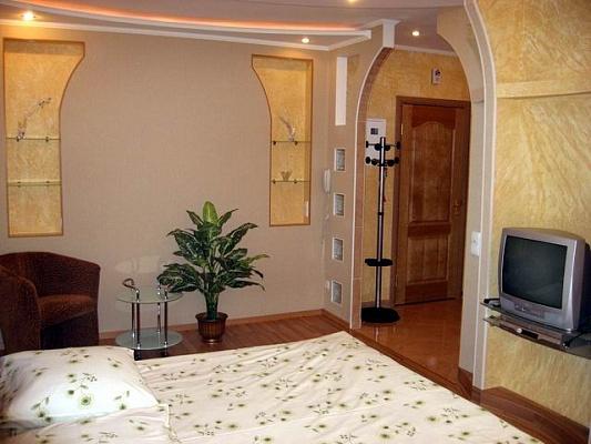 1-комнатная квартира посуточно в Херсоне. Суворовский район, пл. Свободы, 30. Фото 1