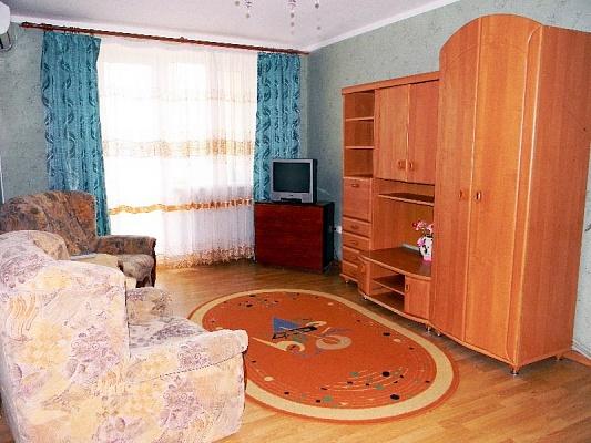 1-комнатная квартира посуточно в Феодосии. ул. Крымская, 86. Фото 1