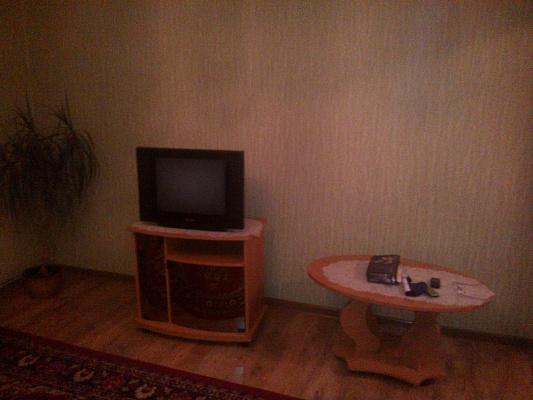 3-комнатная квартира посуточно в Бердянске. пр-т Пролетарский , 234. Фото 1