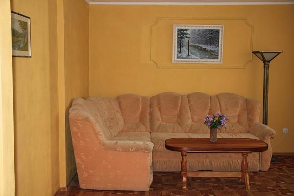 3-комнатная квартира посуточно в Трускавце. ул. Cтебницкая, 104. Фото 1
