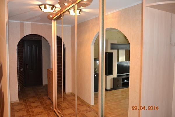 2-комнатная квартира посуточно в Чернигове. Деснянский район, ул. Пятницкая, 68. Фото 1