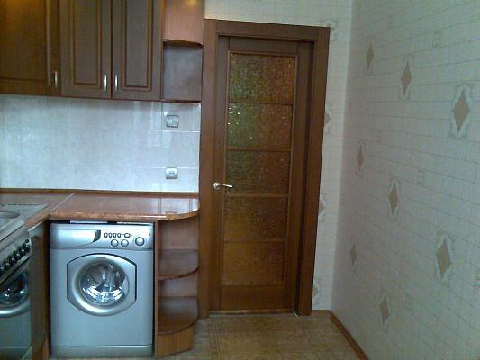 1-комнатная квартира посуточно в Донецке. Ворошиловский район, ул. Университетская, 38а. Фото 1
