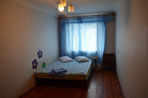 2-комнатная квартира посуточно в Полтаве. Октябрьский район, ул. И.Мазепы (Калинина), 26. Фото 1