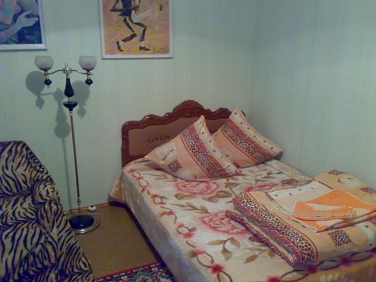 1-комнатная квартира посуточно в Южноукраинске. ул. Мира , 16. Фото 1