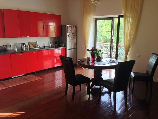 3-комнатная квартира посуточно в Одессе. Приморский район, ул. Софиевская, 13. Фото 1