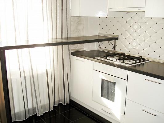 1-комнатная квартира посуточно в Кременчуге. ул. Киевская, 20. Фото 1