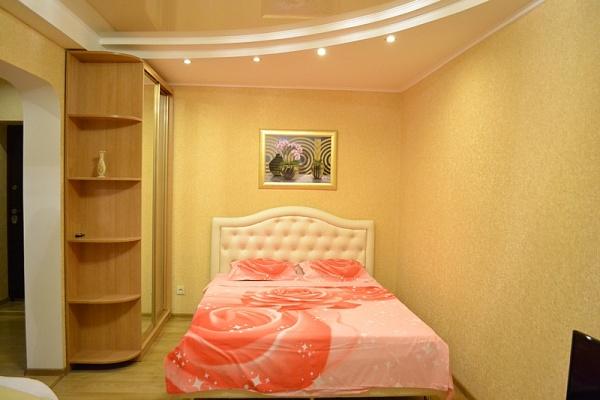 1-комнатная квартира посуточно в Севастополе. Ленинский район, ул. Очаковцев, 36. Фото 1
