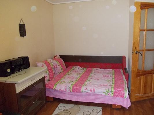 1-комнатная квартира посуточно в Херсоне. Суворовский район, ул. Молодежная, 7. Фото 1