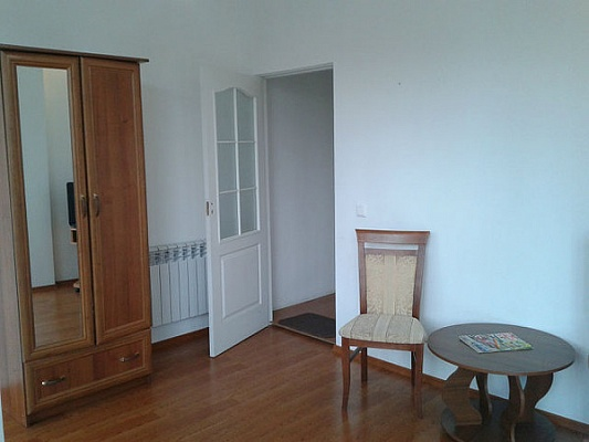1-комнатная квартира посуточно в Ялте. ул. Куйбышева , 10. Фото 1