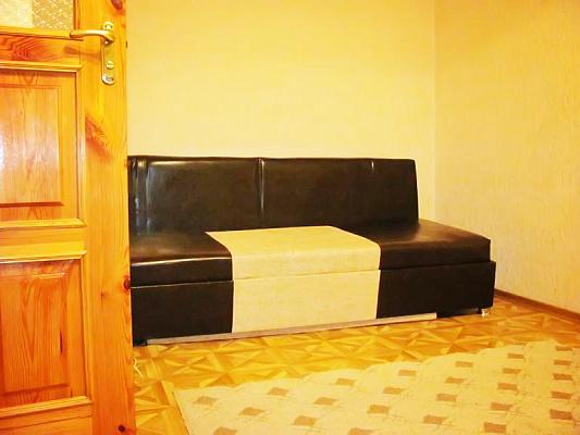 1-комнатная квартира посуточно в Луганске. Ленинский район, ул.Коцюбинского, 9. Фото 1