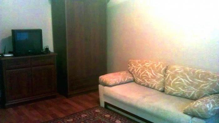 1-комнатная квартира посуточно в Донецке. Ворошиловский район, ул. Р. Люксембург, 20 б. Фото 1