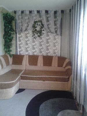 2-комнатная квартира посуточно в Умани. ул. Некрасова, 6. Фото 1