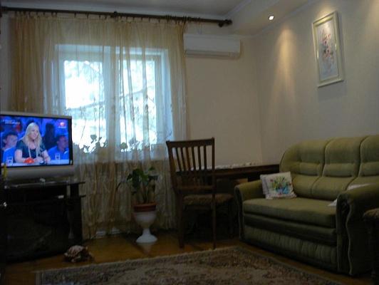 2-комнатная квартира посуточно в Ялте. пгт Гаспра. Фото 1