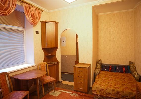 1-комнатная квартира посуточно в Львове. Лычаковский район, ул. Филатова , 2. Фото 1