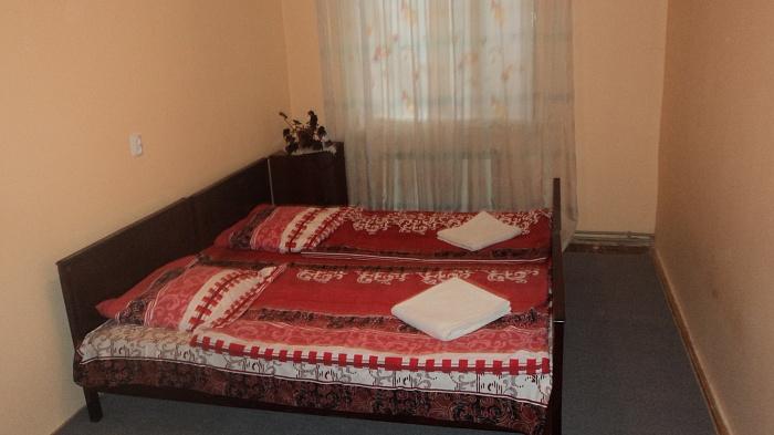 2-комнатная квартира посуточно в Ужгороде. ул. Челюскинцев, 6. Фото 1