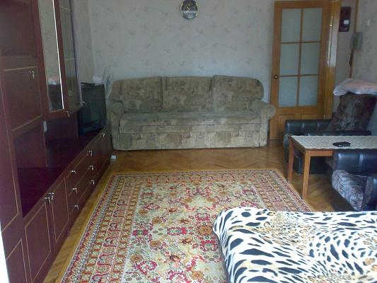 1-комнатная квартира посуточно в Харькове. Дзержинский район, пр.Ленина. Фото 1