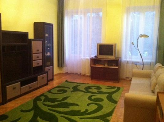 2-комнатная квартира посуточно в Львове. Лычаковский район, ул. Лычаковская, 21. Фото 1