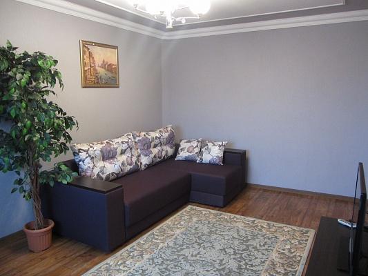 2-комнатная квартира посуточно в Кременчуге. ул. Красина, 21. Фото 1