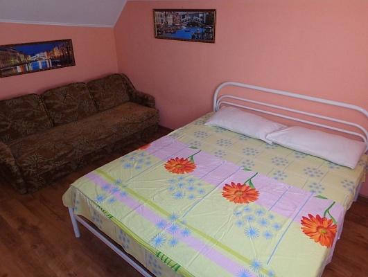 2-комнатная квартира посуточно в Мариуполе. ул. Николаевская, 11. Фото 1