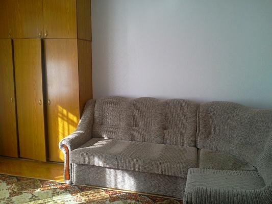 1-комнатная квартира посуточно в Киеве. Печерский район, ул.Драгомирова, 6б. Фото 1