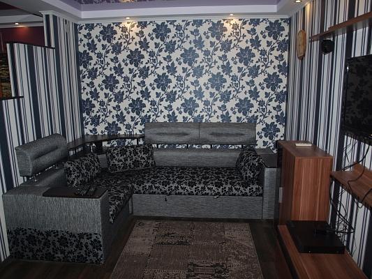 1-комнатная квартира посуточно в Никополе. пр-т Трубников, 110. Фото 1