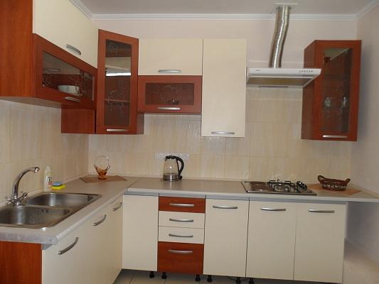 1-комнатная квартира посуточно в Феодосии. б-р Адмиральский, 7. Фото 1