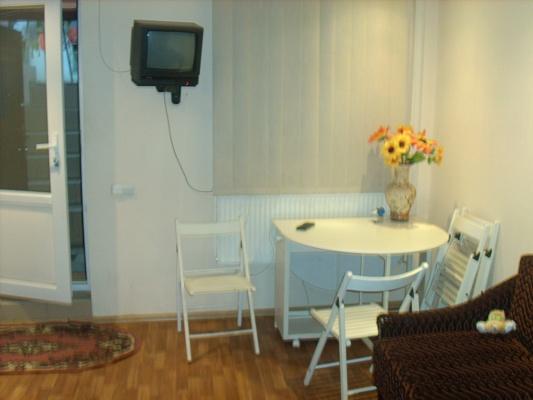 2-комнатная квартира посуточно в Одессе. Приморский район, ул. Малая Арнаутская, 57. Фото 1