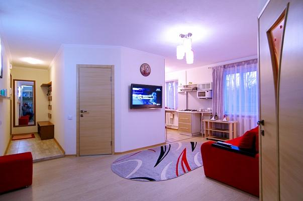 2-комнатная квартира посуточно в Харькове. Дзержинский район, ул. Отакара Яроша, 19. Фото 1