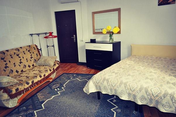 1-комнатная квартира посуточно в Ялте. ломоносова, 2. Фото 1