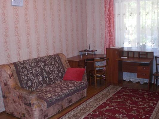 1-комнатная квартира посуточно в Феодосии. ул. Федько, 100. Фото 1