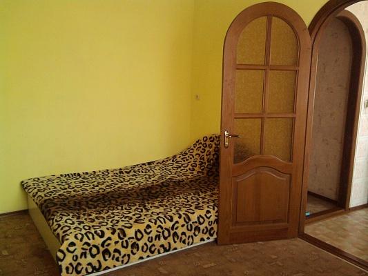 1-комнатная квартира посуточно в Кировограде. Ленинский район, ул. Ленина, 16. Фото 1