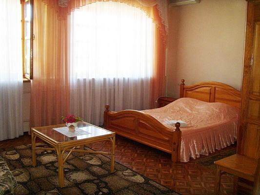 Комната  посуточно в Ялте. ул. Высоцкого, 11. Фото 1
