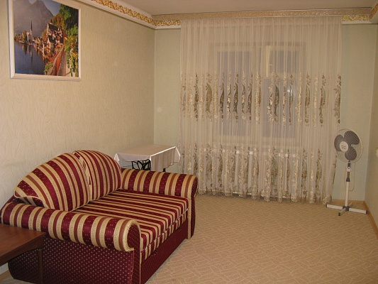 2-комнатная квартира посуточно в Киеве. Голосеевский район, ул. Васильковская, 2. Фото 1