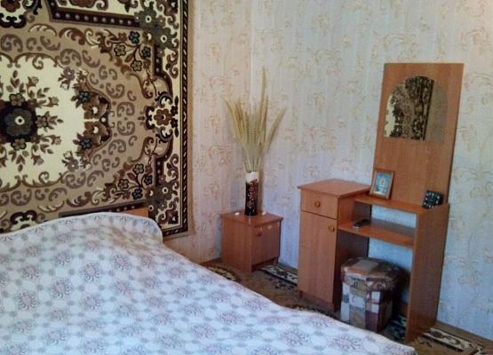 Дом  посуточно в Лазурном. ул. Курортная. Фото 1