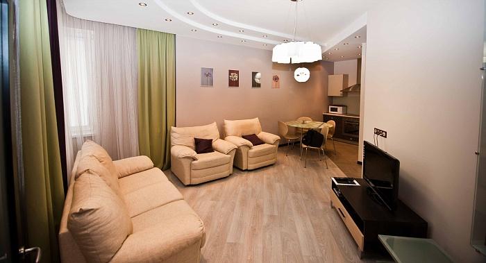 3-комнатная квартира посуточно в Одессе. Приморский район, ул.Среднефонтанская, 19в. Фото 1