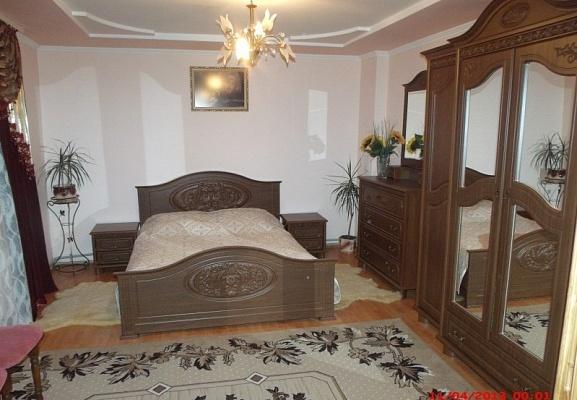 Дом  посуточно в Микуличине. ул. Грушевского, 147. Фото 1