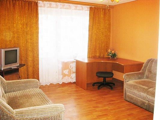 1-комнатная квартира посуточно в Харькове. Московский район, ул. Тимуровцев, 21. Фото 1