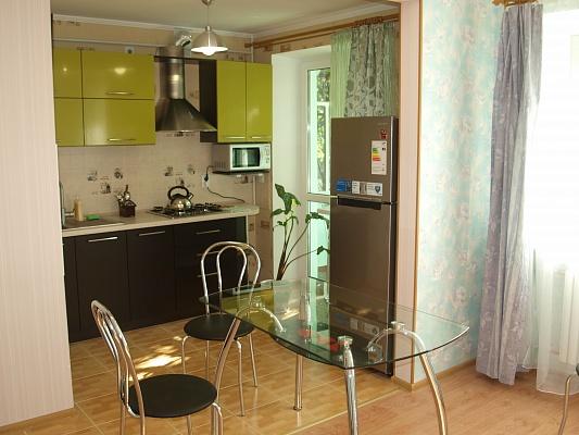 1-комнатная квартира посуточно в Херсоне. Днепровский район, ул. Илюши Кулика, 116А. Фото 1
