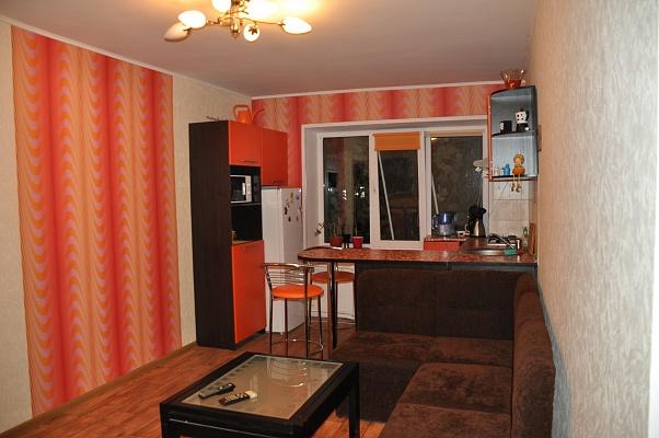 3-комнатная квартира посуточно в Полтаве. Ленинский район, ул. Старый Подол, 10. Фото 1