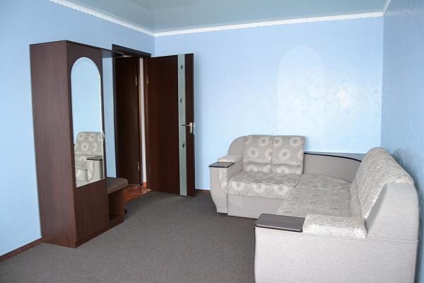 3-комнатная квартира посуточно в Умани. ул. Комарова, 21. Фото 1
