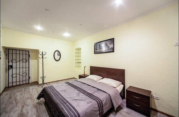 2-комнатная квартира посуточно в Львове. Галицкий район, ул. Староеврейская, 15. Фото 1