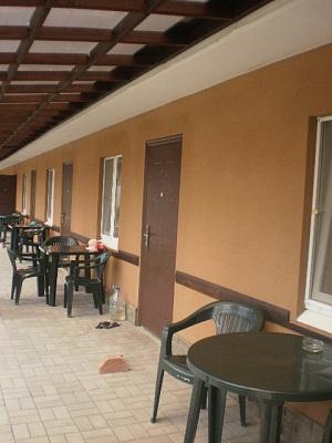 Мини-отель  посуточно в Бердянске. ул. Энгельса, 1. Фото 1