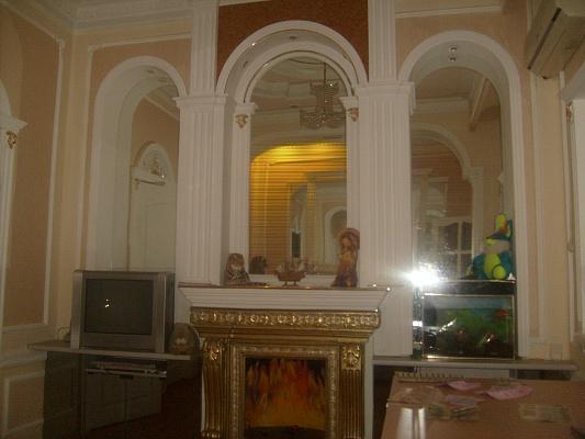 2-комнатная квартира посуточно в Алуште. ул. Ялтинская, 11. Фото 1