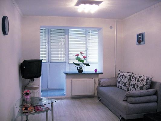 1-комнатная квартира посуточно в Одессе. Приморский район, пр-т Шевченко, 21. Фото 1